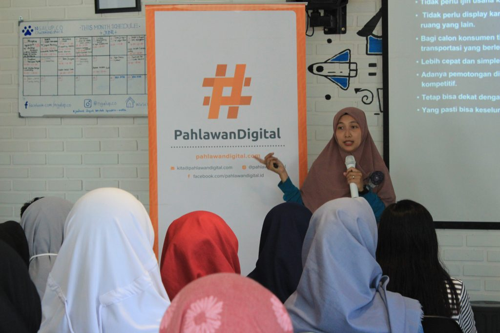 Roadshow #4 Pahlawan Digital di Ngalup Coworking Space